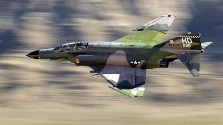 Истребитель F-4